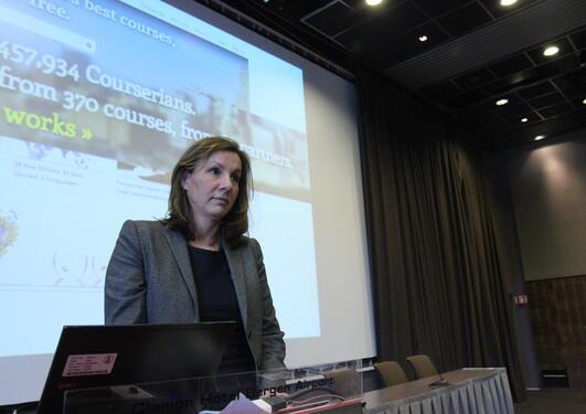 June M. Breivik, utviklingssjef i e-læring ved Handelshøyskolen BI holdt...