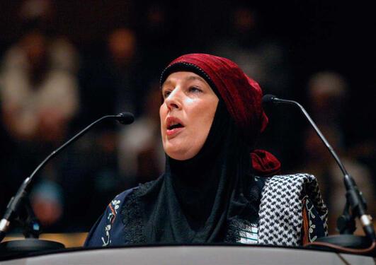 TALSKVINNE FOR ISLAM. Journalisten Yvonne Ridley var fanga i ti dagar av...